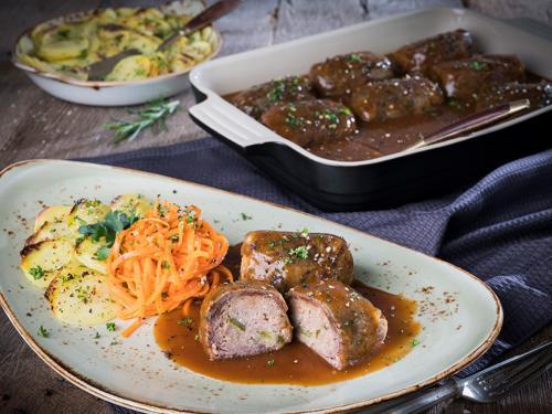 """Rinderroulade """"Hausfrauen Art"""" in Sauce, gewürfelte Füllung, ohne Schwein, gegart, 12 x ca. 120 g + 1.440 g Sauce"""