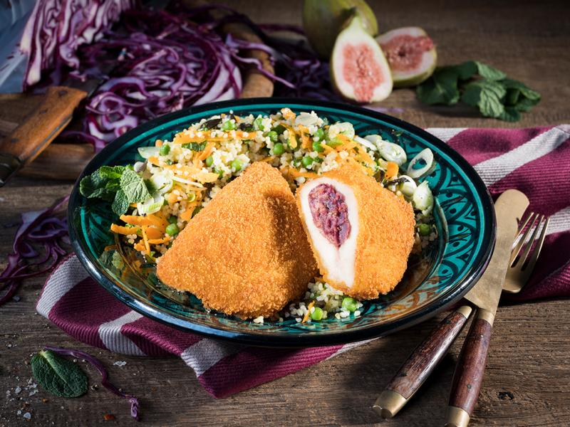 "Crispy Chicken Schnitzel ""Cream Cheese-Red Cabbage-Figs"", 175g approx."